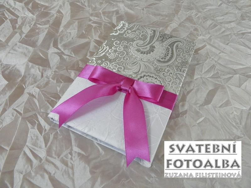 svatební fotoalbum, kniha hostů, krabička, blahopřání, oznámení, jmenovka na stůl, fuchsiová svatba, svatba